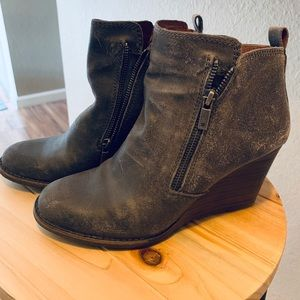 Lucky Brand Grey distressed wedge booties